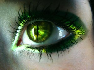 Green_eye_by_ScaryDoll