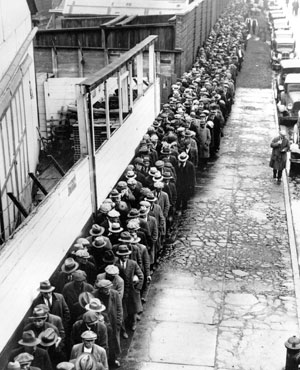 long-line-up-of-people-from-1940s